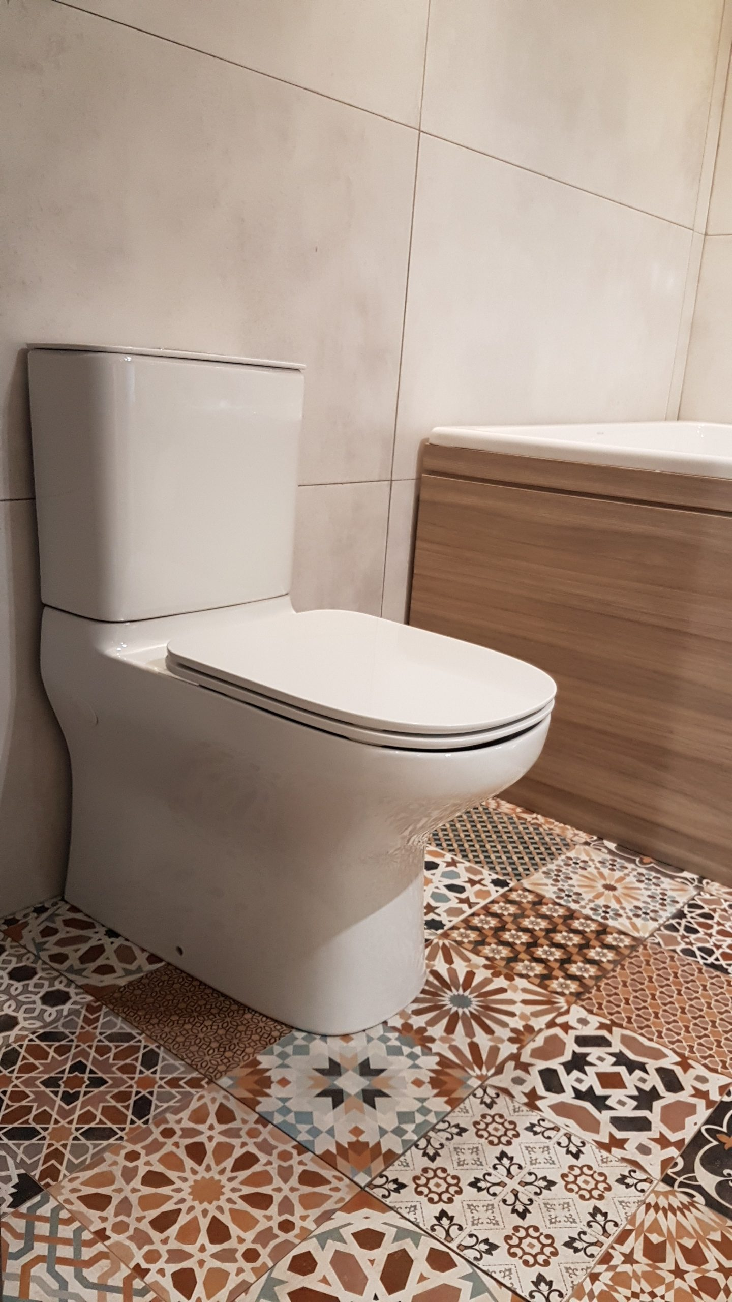 realonda marrakech mix + kohler modernlife toilet